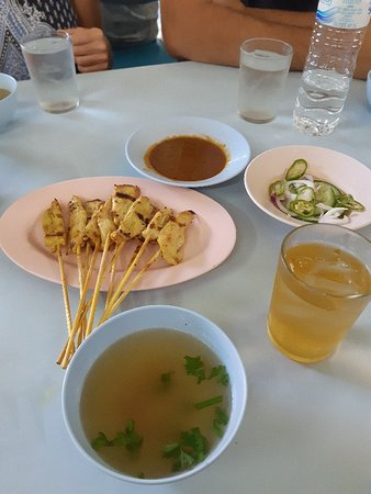 Ảnh về Go where the locals go, Eat what the locals eat! Food Tour with Local Foodies