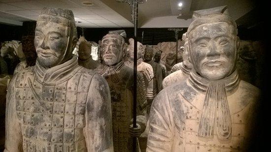 Het Terracottaleger van Keizer Qin: Indrukwekkende beelden
