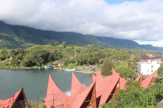 Медан, Индонезия: Tuk-Tuk Village samosir Island, lake Toba - Enos Tour