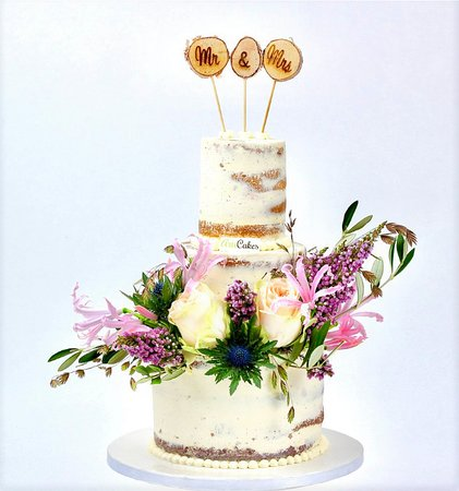 Le Reve Patisserie-Chocolaterie: naked wedding cake
