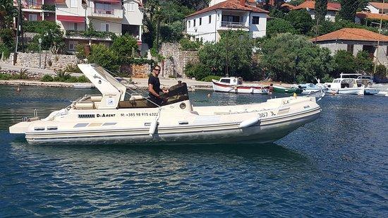 D & A Rent Boats & Bikes