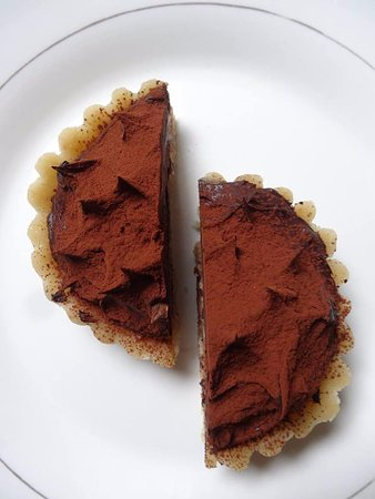 Raw cacao vegan hedgehog: a raw vegan version of a famous cake from Lyon
