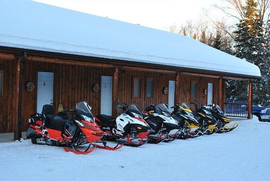 Lac-Saguay, Kanada: Bienvenue aux motoneiges !