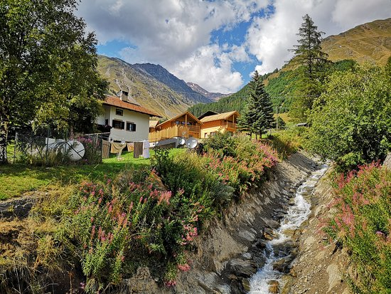 Vernago, Italy: Umgebung - Vicinanza - Surroundings