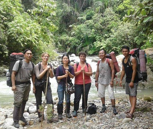 De retour le deuxième joiur de notre trek après avoir traversé la rivière derrière nous