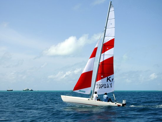Thulusdhoo Island: Embark on a catamaran and experience sailing at it's best!