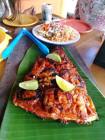 Excelente, el pescado más rico de la isla! Algo bien típico maya. Y un muy buen precio!