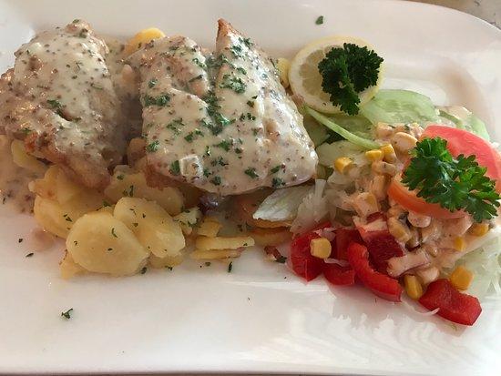 Cafe - Restaurant Strandläufer: Fischgericht