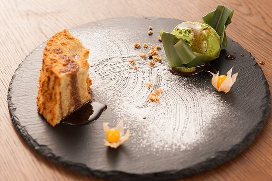 Raphael Restaurant & Bar: Origina SOBA Chiffon cake with matcha ice cream
