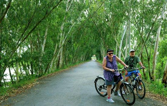 Чау-Док, Вьетнам: Great fun couple