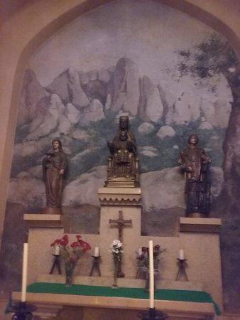 "Altar dedicado a ""la Moreneta"""