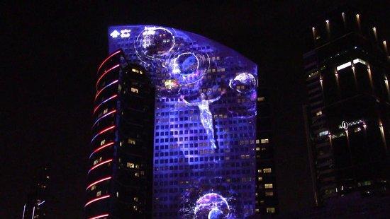 Dubai Festival City Mall: shopping e spettacolo laser fantastico