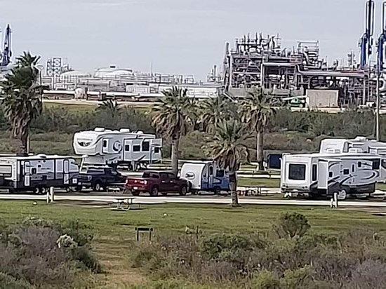 Quintana, Техас: RV park and chemical plant