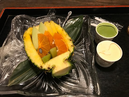 Yuzanso: After dinner dessert - fruit and ice cream