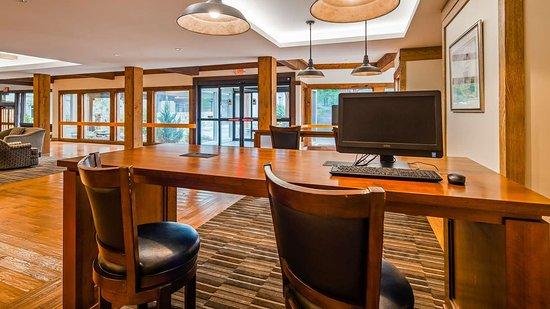 Southbury, Коннектикут: Business Center