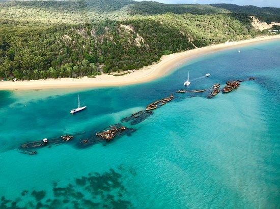 Tangalooma Helicopter Service: Tangalooma Shipwrecks