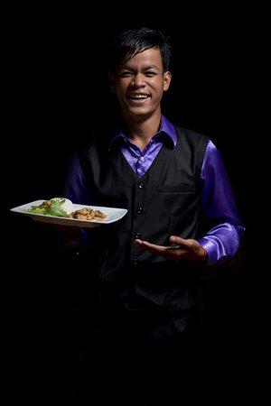 DID - Dine in the Dark Siem Reap - Service