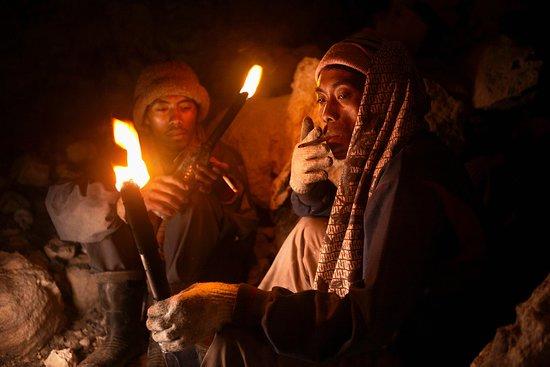 Banyuwangi, إندونيسيا: mr paing miner