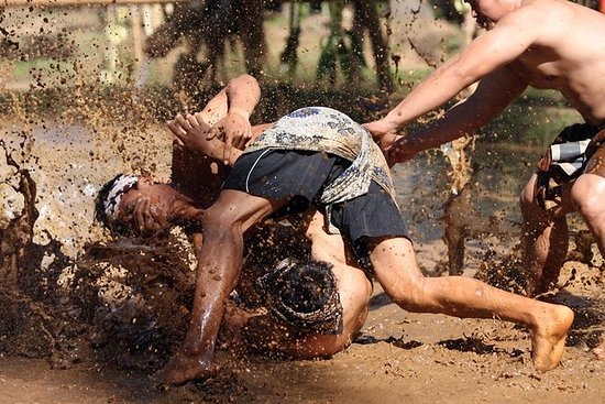 Juego de lucha balinesa Mepantigan
