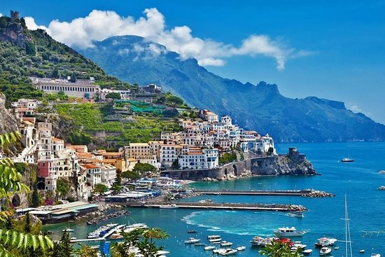 Amalfikysten Tour med båd fra Sorrento