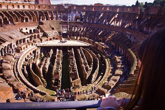 Private Rome Walking Food Tour with Skip-the-Line Colosseum Ticket