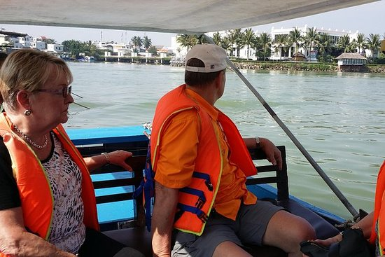 Privat halvdag Nha Trang River Cruise