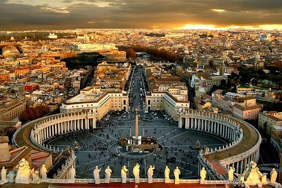 Tour privato all'alba del Vaticano