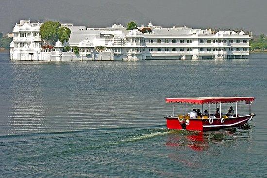 Crucero al atardecer en el lago...