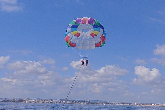 FLY IN PARASAILING ON THE SEA OF...