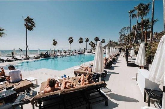 Marbella Puro Beach Club Día completo...