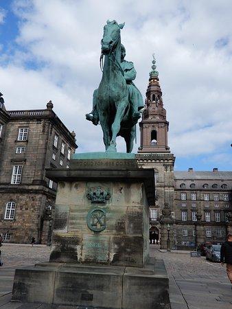 Equestrian statue of Christian IX