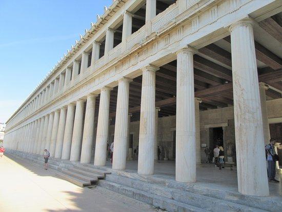 Агора: Exterior of the Stoa of Attalos.