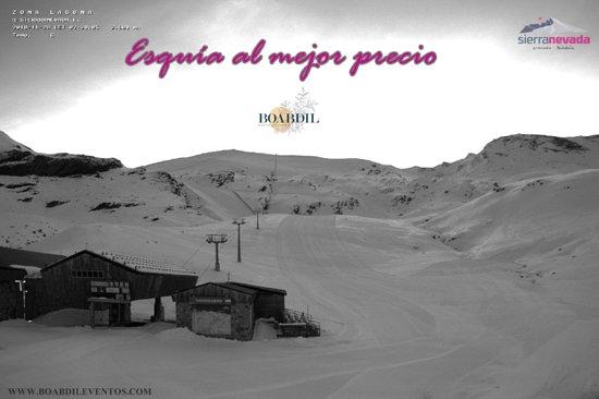 Otura, Spania: Buenos días!!! Amanece en sierra nevada con 49km esquiables, ¿sabías que sierra nevada dispone del día del esquiador?  Consigue tu forfait por solo 37,80 euros disfruta de tu deporte favorito al mejor precio, reserva ya tu alojamiento. T.+34 958 555565  #sierranevada #alojamientosierranevada #hotelGranada #ofertassierranevada #esquiarenGranada #hotelBoabdil #Andalucia #granada #sierranevadadescound #millennialtravellers