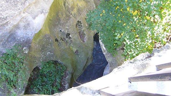 Теснина реки Фиагдон в Куртатинском ущелье