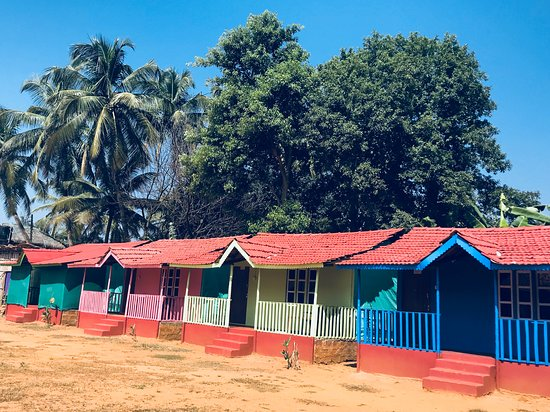 Cute colourful cottages at Little Paradise Inn