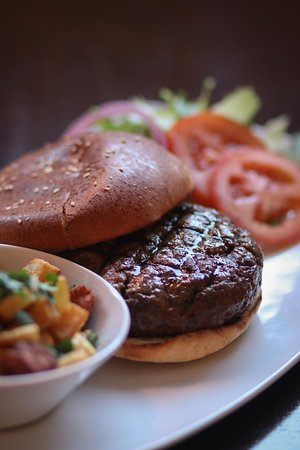 HOUSE BURGER WITH HOME-FRIES BUISNESS LUNCH OFFER