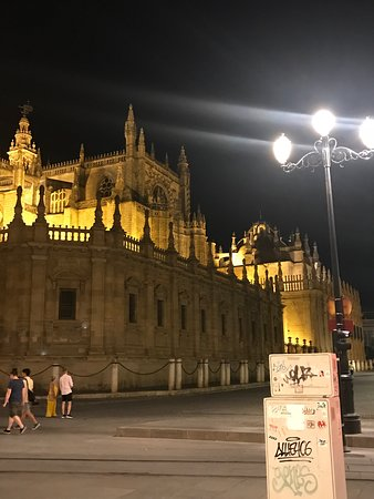 Catedral de Sevilla: This is a must See! You cannot miss it! It is so beautiful that you will be in Awe! Loved everything about Seville, and the best thing is that all the monuments are so close by!