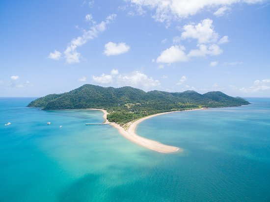 Mission Beach Camping & Caravan Park: With views out to Dunk Island a visit is only a short boat transfer away.