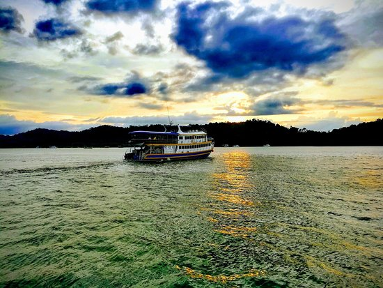 Oktavia Dive Center: Sunset Departure