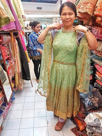 Rashni Collections: Traditon reimagined for the modern beauties! คุณกำลังหาชุดอินเดียในราคาที่เข้าถึงพร้อมกับคุณภาพดีอยู่หรือเปล่าค่ะ Rashni Collections เป็นหนึ่งในร้านที่มีคอลแลกชั่นพร้อมคุณภาพที่ดีที่สุดในเมืองไทย สอบถามข้อมูลเพิ่มเติมได้ที่เบอร์ 089 866 7412 หรือจะแวะมาที่ร้านในห้างอินเดียนเอ็มโพเรียม เพาหุรัด ชั้น G แน่นอนว่าคุณลูกค้าต้องประทับใจกับสินค้าของทางร้าน  SHOP NO E126/2 *G FLOOR*