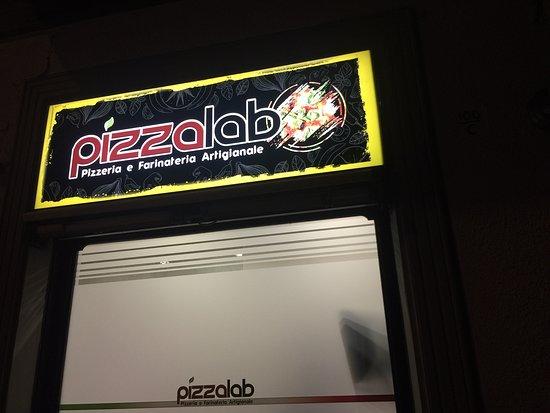 Turin, Italy: Pizzeria e Farinateria Artigianale