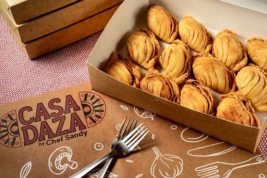 Casa Daza by Chef Sandy: Orginal and Chicken Empanada