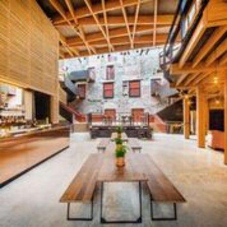1766 Bar and Kitchen: Interior