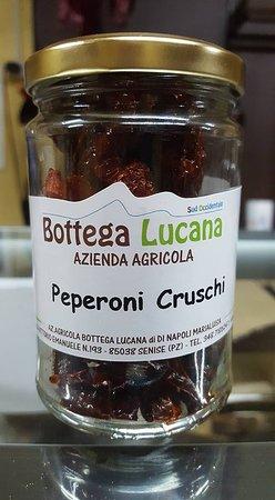 I nostri prodotti: peperoni cruschi di Senise.