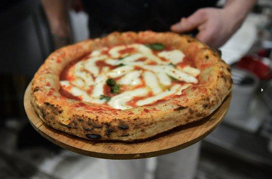 Ciaooo: Pizza Margherita Napolitaine