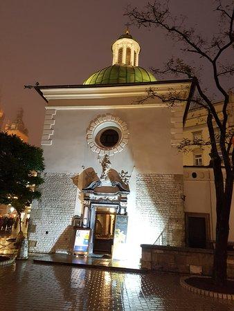 Church of St. Adalbert: Kościół z zewnątrz
