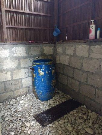 Raja Ampat Islands: Notre douche , cool