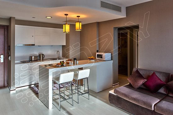 Ozay Suites: Kitchen