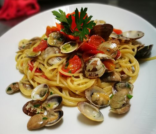 ...spaghetti with vongole