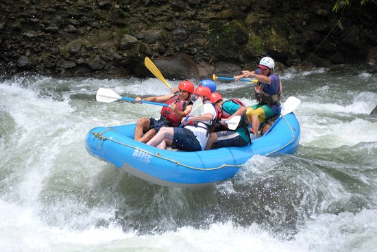 Province of Heredia, คอสตาริกา: White water rafting tour at Sarapiqui River